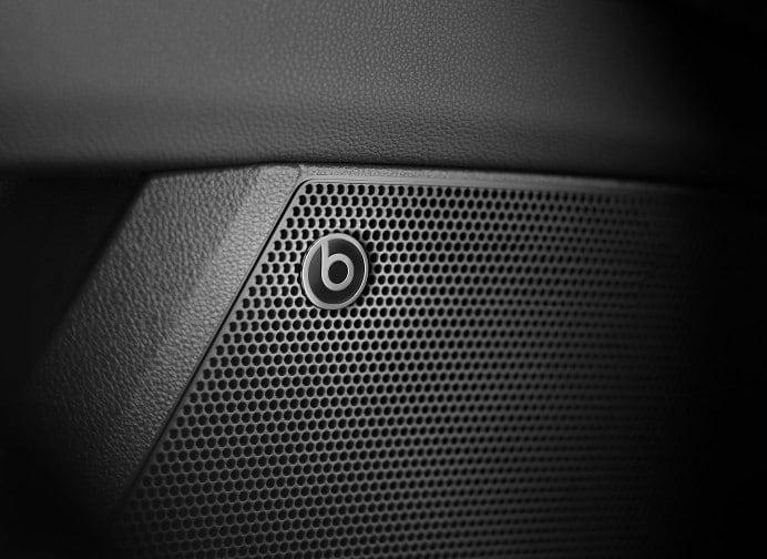 Leon CUPRA R BeatsAudio speaker